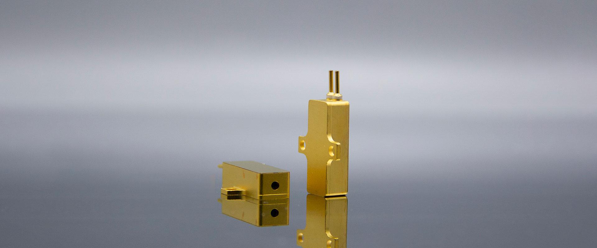 Er Glass Laser 铒玻璃固体激光器 - CRYLINK